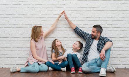 Estudo demonstra que crianças sabem bem quando os pais omitem stress