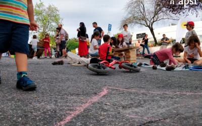 Playstreet: brincadeiras fecham rua ao trânsito