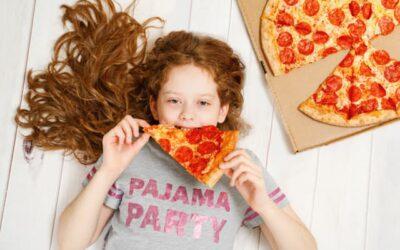 """Estudo: """"Kid influencers"""" promovem alimentos pouco saudáveis na internet"""