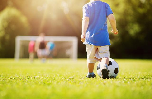 Desportos podem ser uma boa terapia para rapazes abaixo dos seis anos