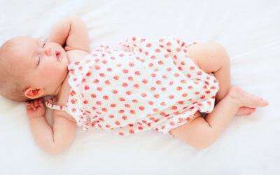 Estudo revela que cérebro e corpo do bebé estão ativos mais tempo durante sono