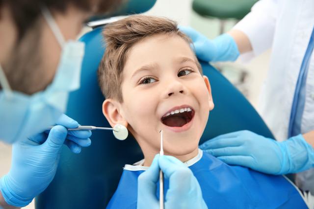 Cheques-dentista alargados ao ensino privado