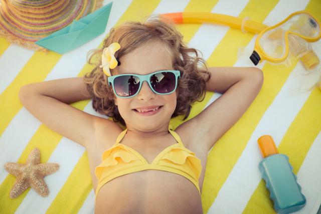 Dicas para escolher óculos de sol infantis